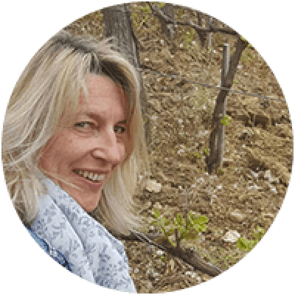 http://www.aixlesbains-rivieradesalpes.com/wp-content/uploads/2017/05/anne-marie-600x600.png